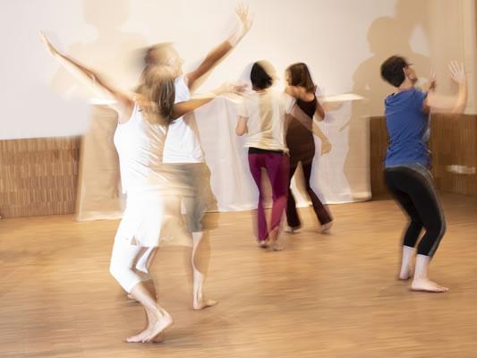 Freedance Steyr - Viktoria Frewein - Freedance ist ein Barfußtraining, es fördert die natürlichen Bewegungsfunktionen.